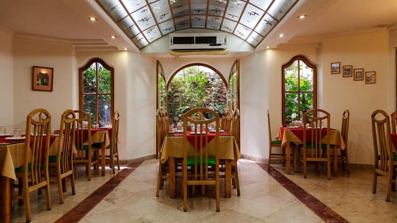 Photo of ۵ هتل با رستورانهای معروف در تهران