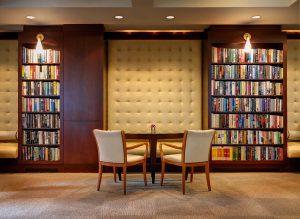 کتابخانه در هتل