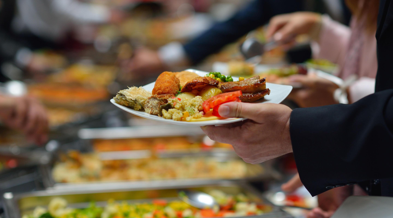 Photo of ۶ راهکار حیاتی برای داشتن تغذیه سالم در هتل