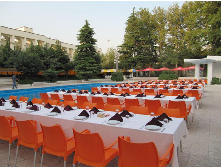رستوران آبشار هتل اوین