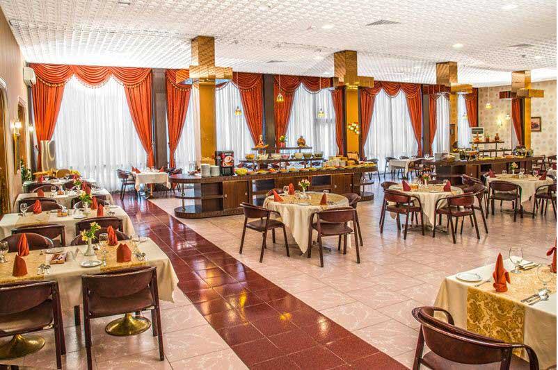 رستوران نارون هتل انقلاب تهران