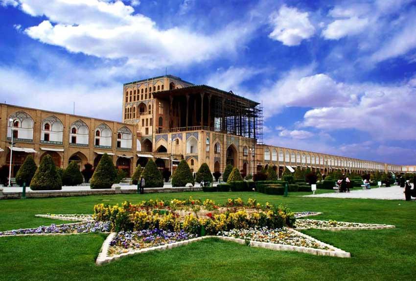 عالی قاپو - دیدنی های اصفهان
