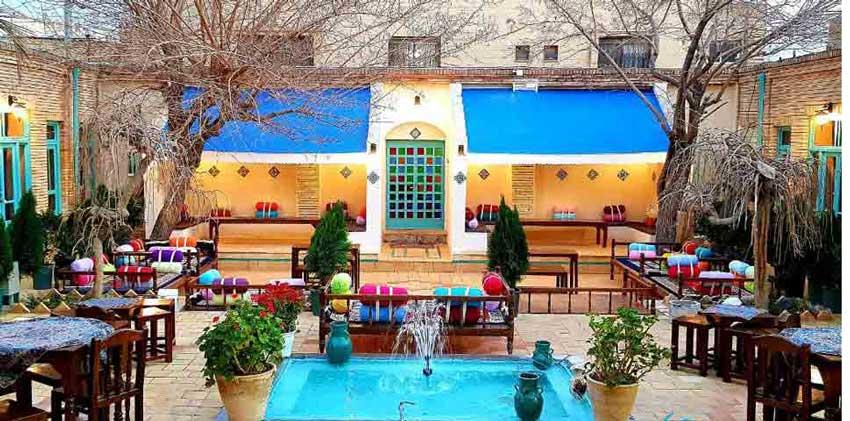 اقامتگاه بوم گردی هاتف اصفهان