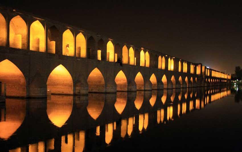 سی و سه پل اصفهان بناهای تاریخی اصفهان