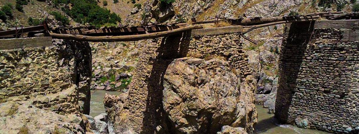 پل قلعه تاسیان سردشت