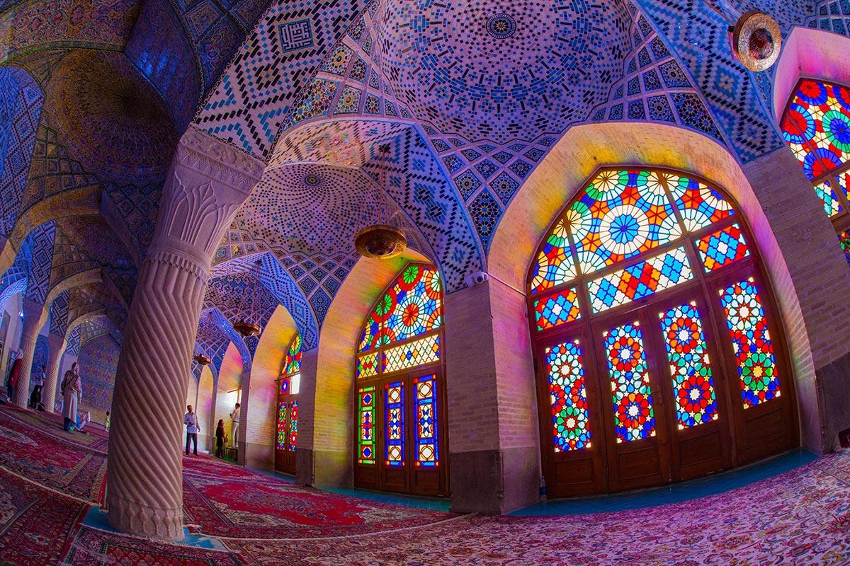 ارزانترین زمان سفر به شیراز