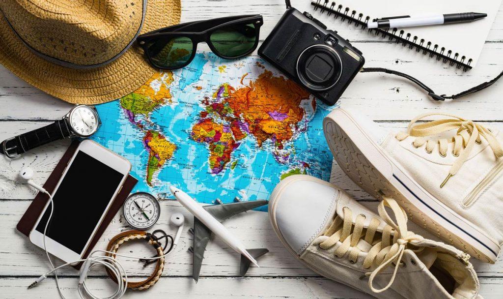 وسایل ضروری سفر برای زنان و دختران