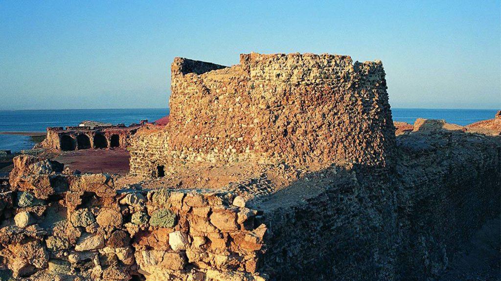 قلعه پرتغالی های بندر لافت