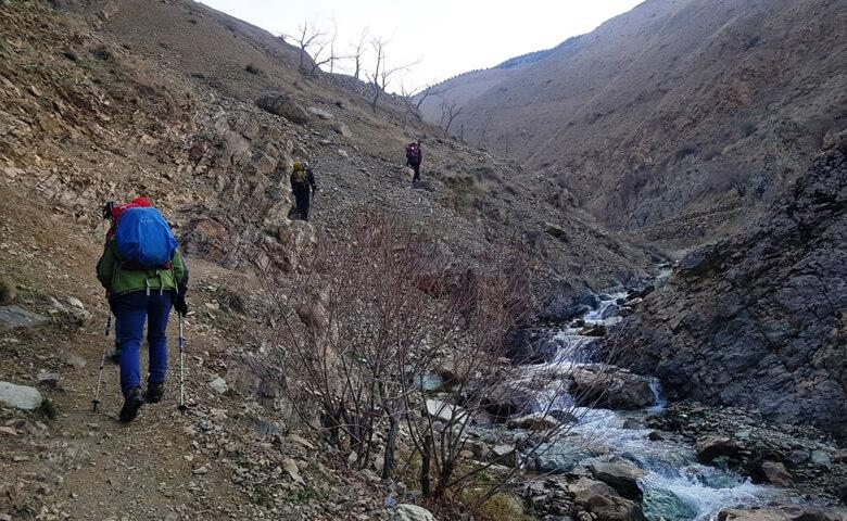 کوه نوردی در حصارک در تهران