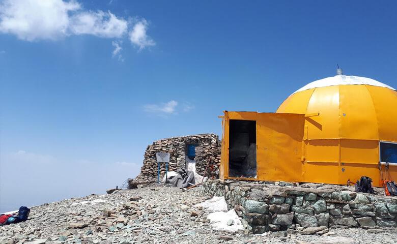 کوهنوردی تا قله توچال کوه های اطراف تهران