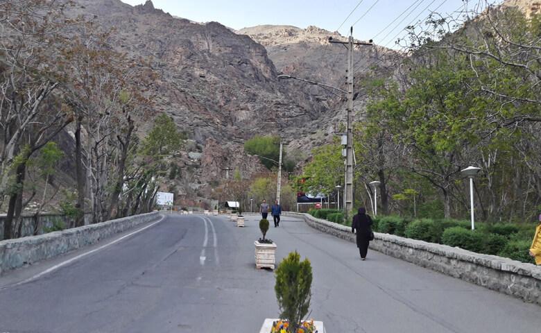 پیاده روی در ولنجک کوه تهران